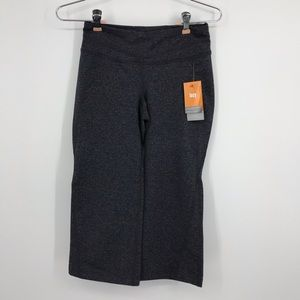 New with Tags Lucy Gray Hatha Capri in Size XS